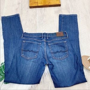 Lucky Brand Sweet and Straight Blue Jean D1374